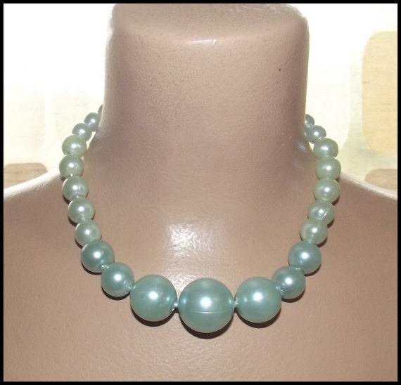 Vintage 1950's AQUA Pearl Pop Bead BIG Gumball Necklace Choker 1960's Beads MADMEN