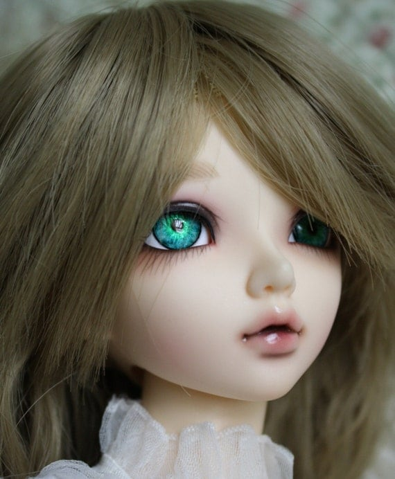 BJD eyes available in 12/14/16/18/20/22/24mm Lalique made to order