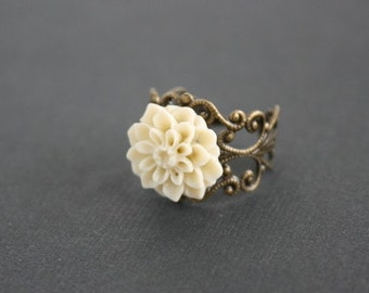 Ivory dahlia flower ring, cream flower victorian adjustable ring - wedding jewelry, bridesmaids gifts, birthday christmas party gift