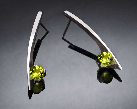 peridot earrings, dangle earrings, birthstone earrings, August birthstone, gemstone jewelry, modern earrings, eco-friendly, for her - 2458