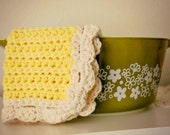 sunshine, a scallop-edge potholder - heat pad - dishcloth
