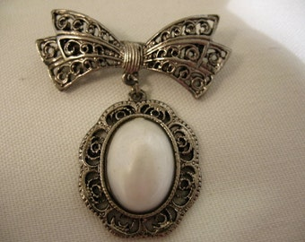 Vintage Reproduction Brooch with Bow and Drop
