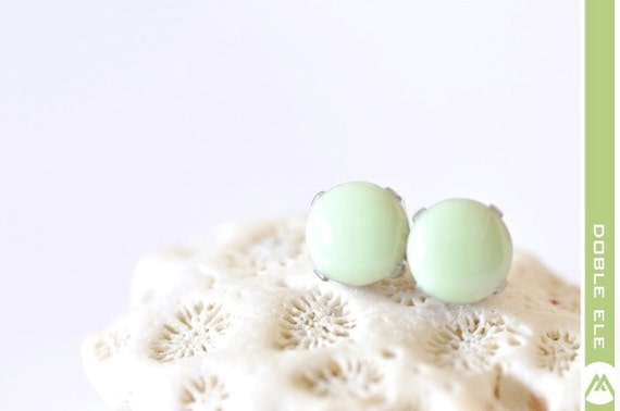 Glossy Dot Ear Posts - 8mm - Mint