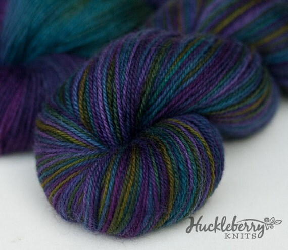 DRAGONFLY on Blue-Faced Leicester/nylon, 4 oz