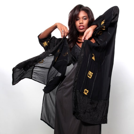 Goddess of the Night - Vintage 80s/90s Gothic BLACK/GOLD Robe/Hollywood Dressing Gown w/ Embroidered Hieroglyphs