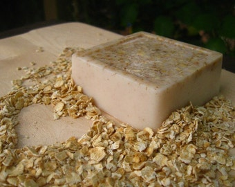 Oatmeal Milk and Honey Exfoliating Shea Butter Soap Bar