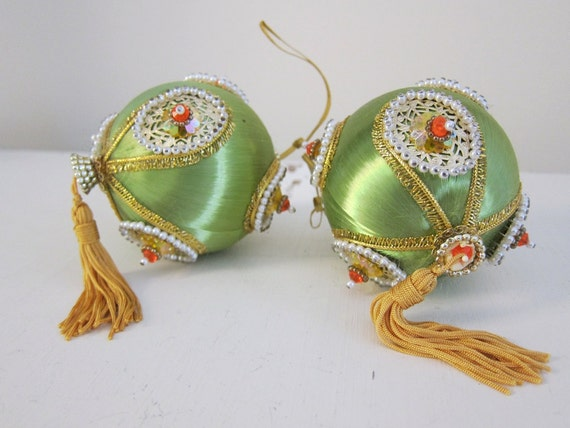 Vintage Satin Beaded Christmas Ornaments With Instructions