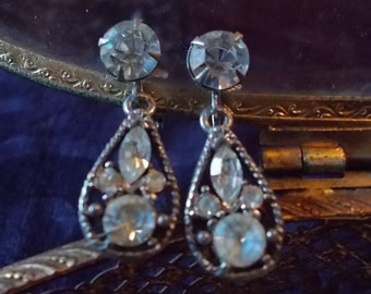 Vintage Rhinestones Drop Earrings