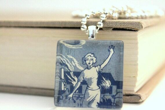Nancy Drew pendant - The Clue in the Diary