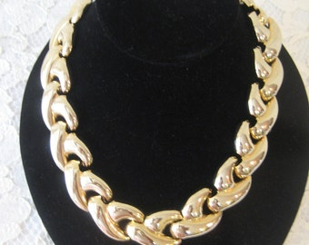 BOLD GOLD NECKLACE - Nice Design & Weight