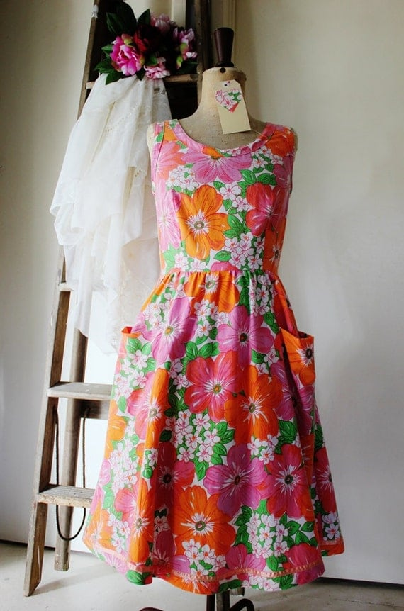 Reduced - floral Annie dress - handmade from vintage fabric - READY TO SHIP