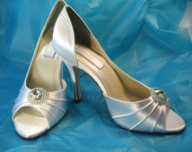 Custom Bridal Shoes Satin Wedding Shoes with Crystal Rhinestone Brooch 100 Colors