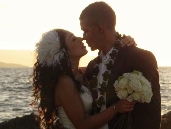 Bridal Feather Fascinator, Bridal Fascinator, Bridal Headpiece, Bridal Hair Accessories, Bridal Veil, Wedding Headpiece, Wedding Hair Clip