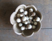 Felted wool acorns, wholesale lot of 100, Natural White for autumn wedding decor
