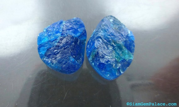 APATITE COOKiES. NeOn BLUE. Rough Top Natural Surface. Free Form Shapes. 2 pc. 13.45 cts. 9x12 and 9x14mm (AP341)