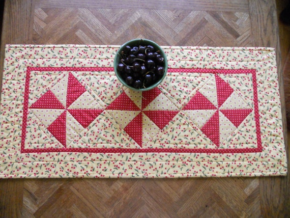 Pinwheels Quilted Table Runner Bowl of Cherries