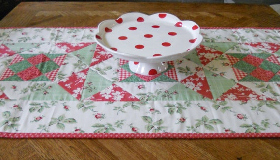 Cottage Chic Quilted Table Runner Red Green Ivory