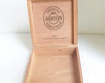 Ashton Wood Cigar Box Made by Hand Dominican Republic //