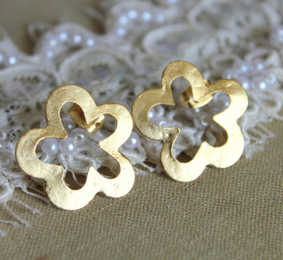 Gold stud flower earrings plated real gold - elegant 14k gold matte coated post earrings