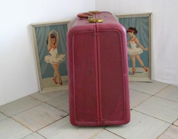 vintage suitcase.....samsonite......pink......1950's.