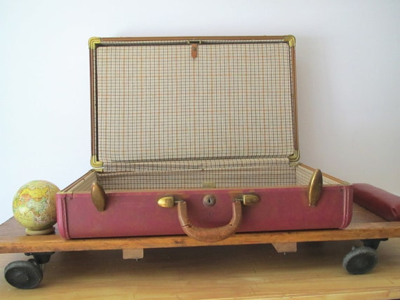 Vintage luggage............pink.........fifties.....sixties.....plaid.....preppy.......brass accents....