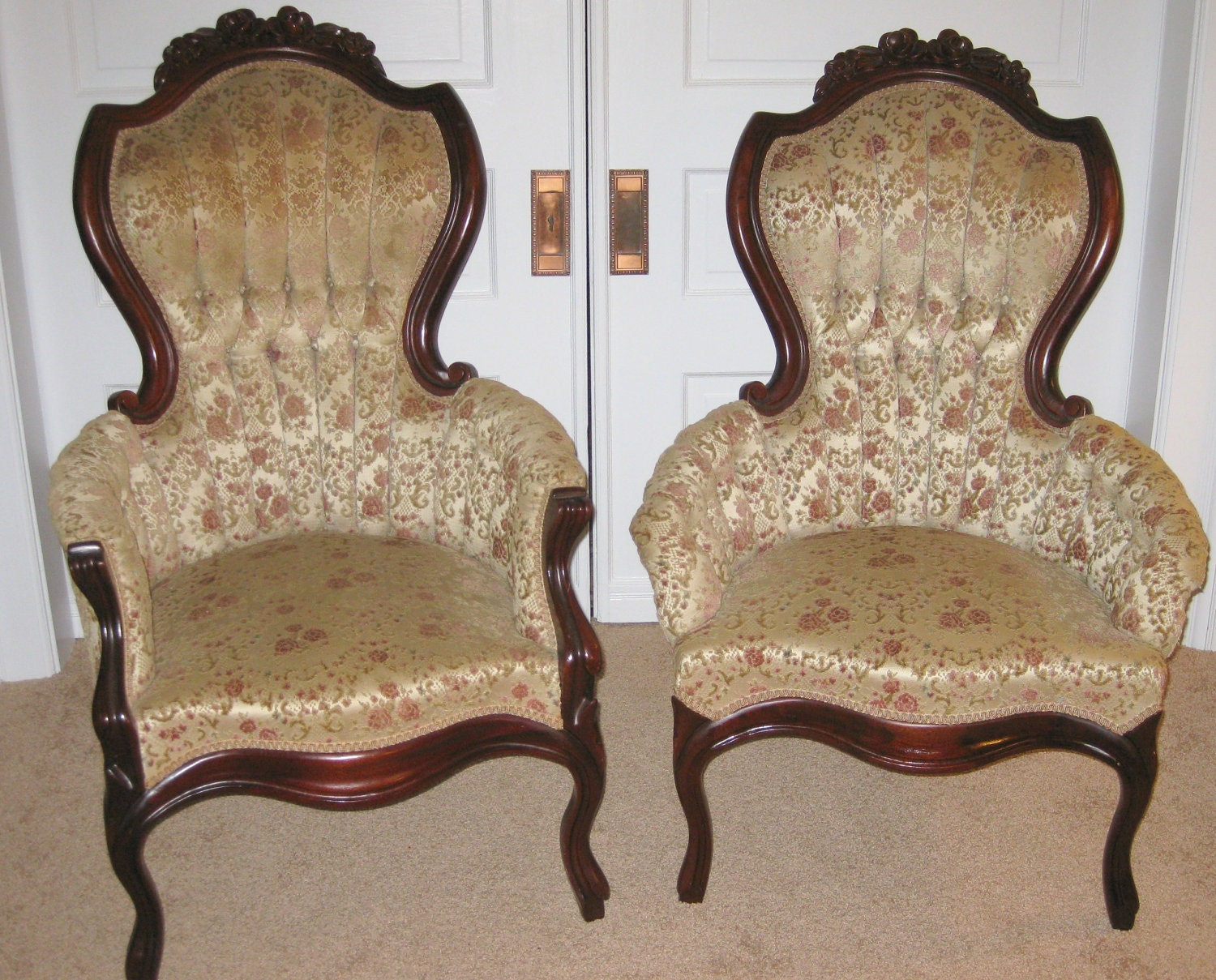 Antique victorian armchair -  Vintage Victorian King And Queen Chairs Zoom