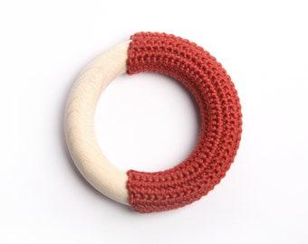 Red-orange teething ring / First Toy / Babywearing toy