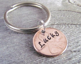Hand Stamped Lucky Penny Key Chain Charm Custom Name Personalized 1950 to 2017 Pennies Groomsman Gift 7th Wedding Anniversary Copper Coin