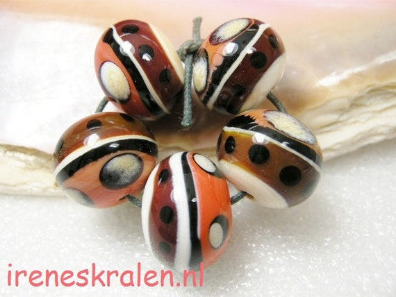 Beadset Homemade Lampwork Glass Beads Coral Lollipop, Ivory, Black