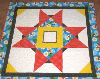 Ladybugs and Daisies Quilt I