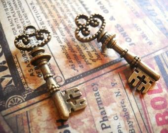 Bronze Key Charms Pendants-32mm-Bulk Skeleton Keys-Antiqued Bronze-25pcs