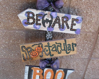 Halloween Signs 4 on a wood stake or can be made to hang on a beaded wire
