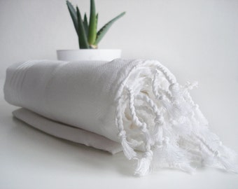 SALE 50 OFF / Turkish Beach Bath Towel / Classic Peshtemal / White / Wedding Gift, Spa, Swim, Pool Towels and Pareo