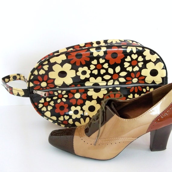 CLEARANCE Vintage 1960s Shoe Bag Mod Flower Power Brown Beige