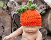 SALE READY to SHIP Pumpkin Handspun Hat for newborns. Size 0-3. Perfect for photo prop.