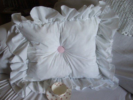 Throw pillow shabby chic by MyThymeCreations on Etsy