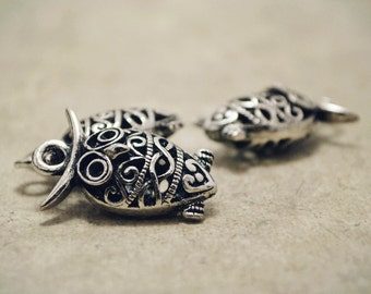 4pcs of Antique Silver Unique 3D Filigree Owl Charms Pendants Drops Connector Q35-A18239