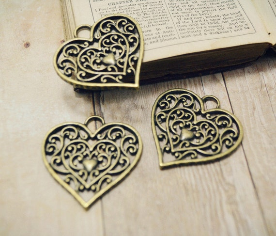 RESERVED 35pcs of Antiqued Bronze Ornate Filigree Heart Shaped Charms 29x28mm A6279-Q64