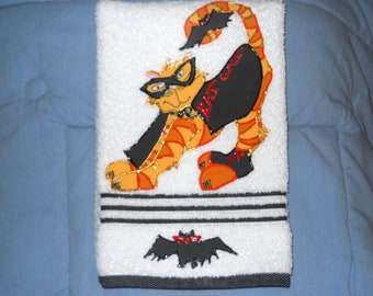Halloween Appliqued Hand Towel Halloween Bathroom Towel Halloween Kitchen Towel Halloween Bat Cat Towel Halloween Cat Towel Halloween Decor