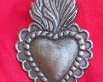 Tin/Silver Sacred Heart with Wavy Flame Milagro Ex Voto
