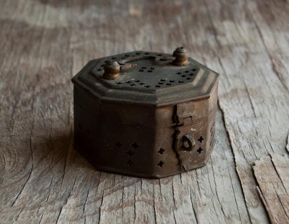 Metal Jewelry Box - Rustic Cricket Box - Victorian Vintage