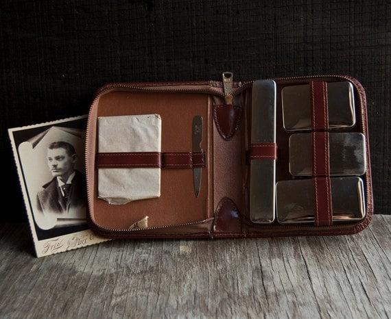 Vintage Toiletry Travel Set - Leather Case - Tommy Traveler