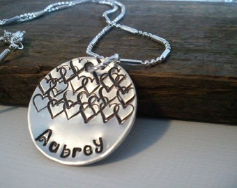 Children's name necklace with hearts