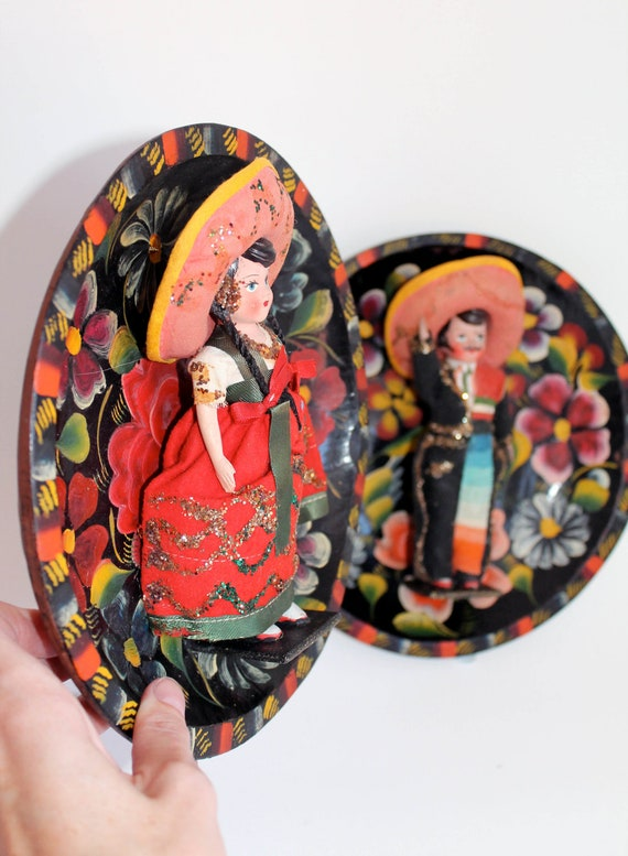 Vintage Mexican dolls Batea Bowl upcycled into wall decor/ Mexican folk art inspired / Vintage wood batea bowl plate / floral / art doll