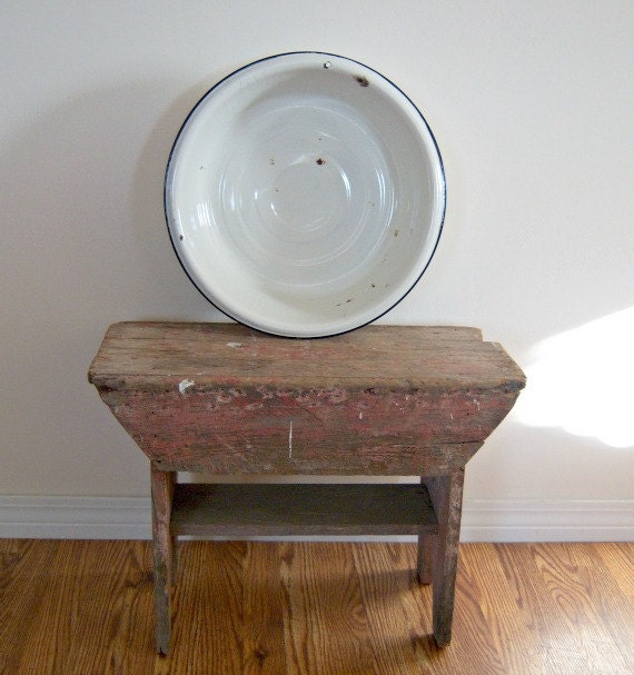 Vintage Large White Enamelware Basin Bowl (1940)