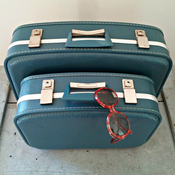 Vintage Aqua Blue Suitcase Set - Travel Pair - Near MINT - for Display or Adventures