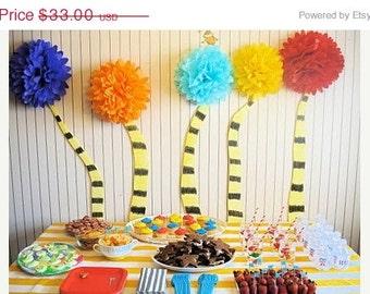 birthday party decorations ... 10 Tissue pompoms  ... choose your colors // dr.seuss // classroom //diy kit // party decorations