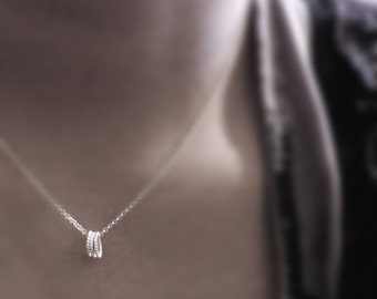 Eternal promise (necklace) - Three small twisted sterling silver rings on a dainty chain