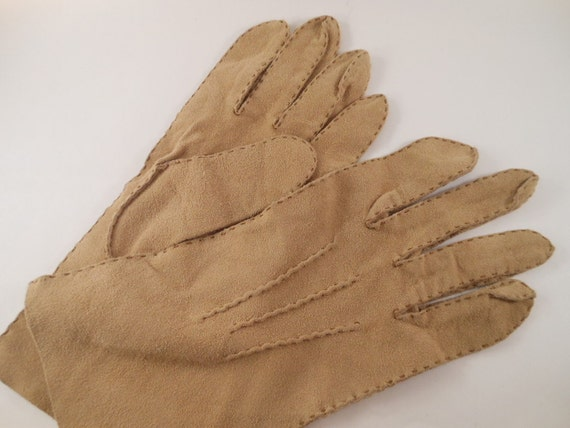 Vintage Suede  Large Light Tan  fawn brown Buttery soft  Handstitched Gloves