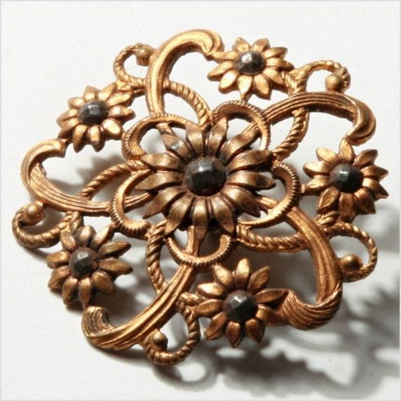 31 mm Antique vintage Victorian pierced open work floral button collectible E711-171